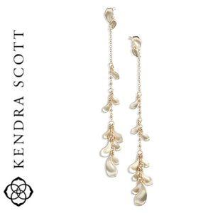 NWT Kendra Scott Pamela drop earrings pale gold